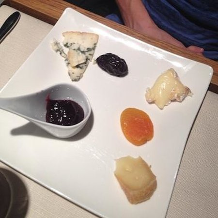 Le Bistrot: Cheese plate