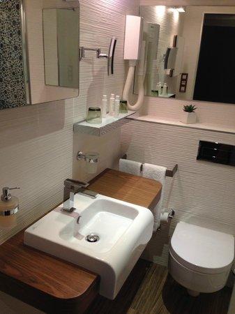 Hotel des Arceaux: salle de bain