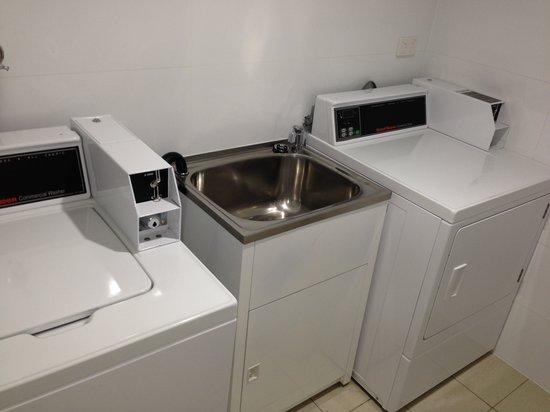 BEST WESTERN Casula Motor Inn: Guest Laundry