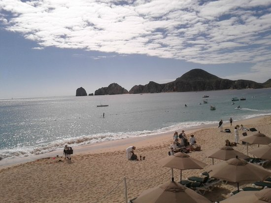 Villa del Arco Beach Resort & Spa Cabo San Lucas : View on the Arch from the pool.