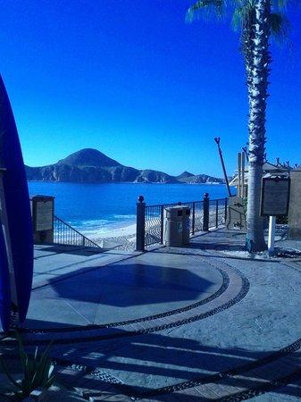Villa del Arco Beach Resort & Spa Cabo San Lucas : Down stair and swim in the sea