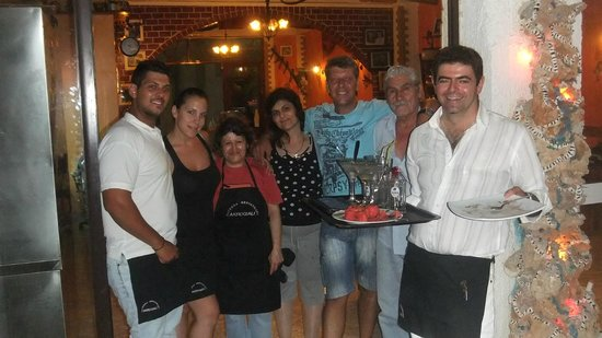 Akrogiali Taverna: Owners and staff