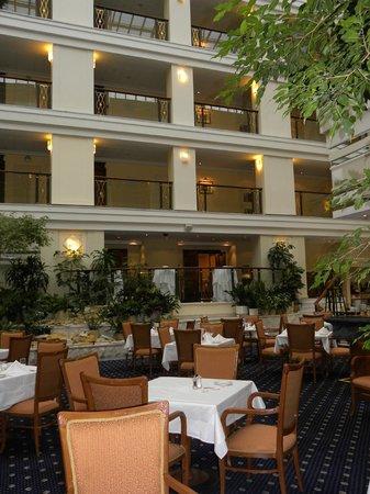 Moscow Marriott Royal Aurora Hotel : Ресторан
