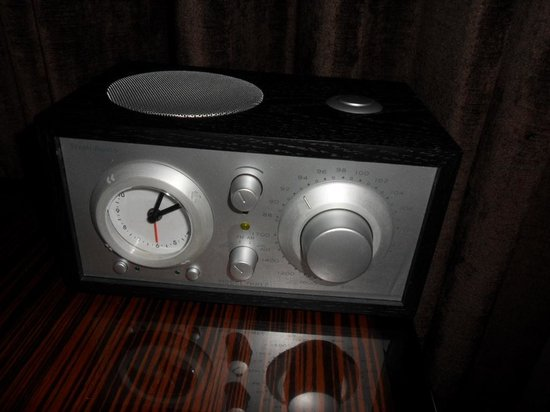 Walker Hotel Greenwich Village : radio in the room