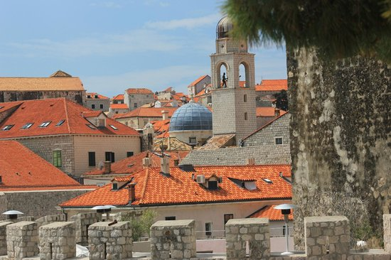 Dubrovnik Walks: look over old city roofs