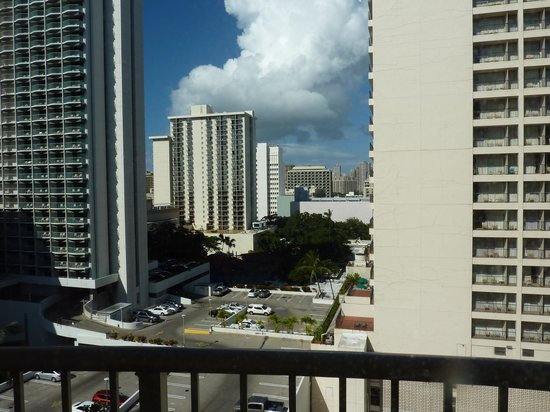 OHANA Waikiki East Hotel: 部屋からの眺め