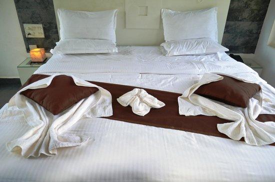 Gruenberg Tea Plantation Haus : King sized bed