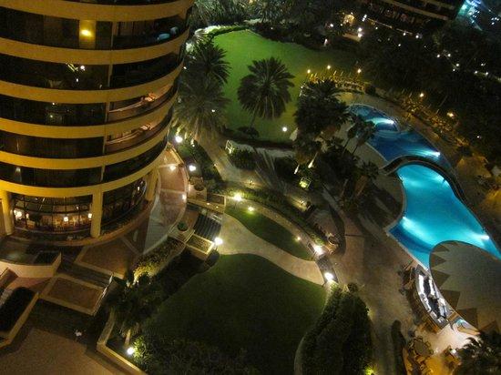 Le Royal Meridien Beach Resort & Spa: a night veiw from room
