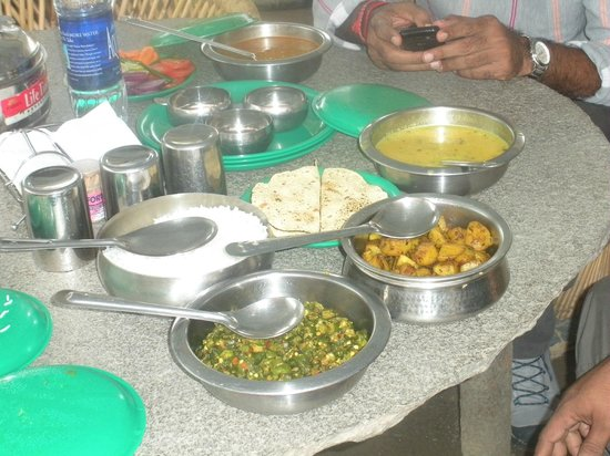 Kinner Camp Sangla: Sumptuous Lunch