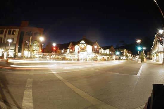 King Edward Hotel: Night