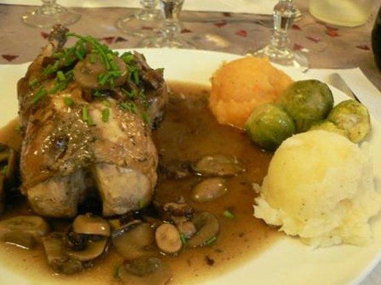 Cascastel-des-Corbieres, France: plat d'hiver