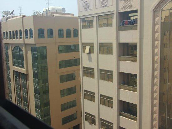 Eureka Hotel: вид с окна