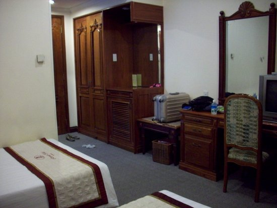 Riverside Hotel Saigon: Furniture