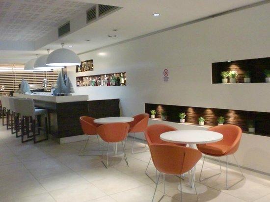 Hotel Rome Pisana: banco bar
