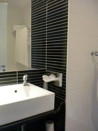 Hotel Rome Pisana: toilette con vasca-doccia