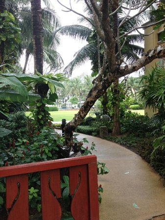 Phuket Graceland Resort & Spa: pathway