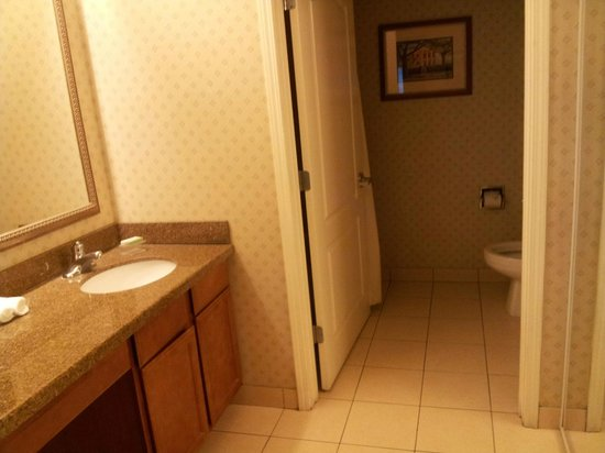 Homewood Suites New Orleans : Bathroom