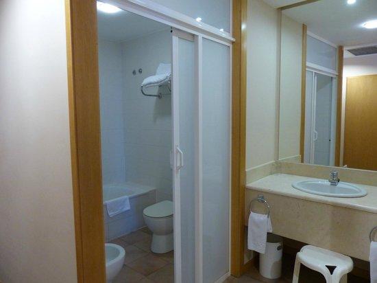 Hotel Alfonso IX: baño