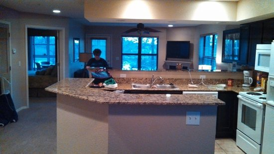 Still Waters Resort : Kitchen area
