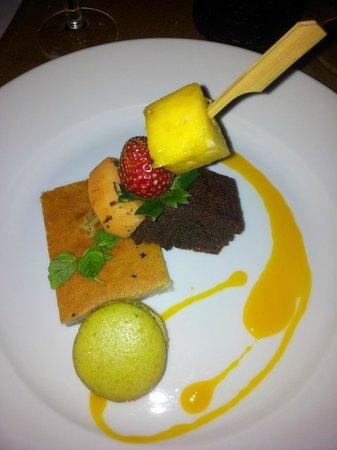 Hotel Le Recif : dessert repas offert par l'hôtel