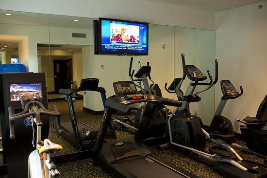 Room Mate Lord Balfour: Fitness Center (it's very small)