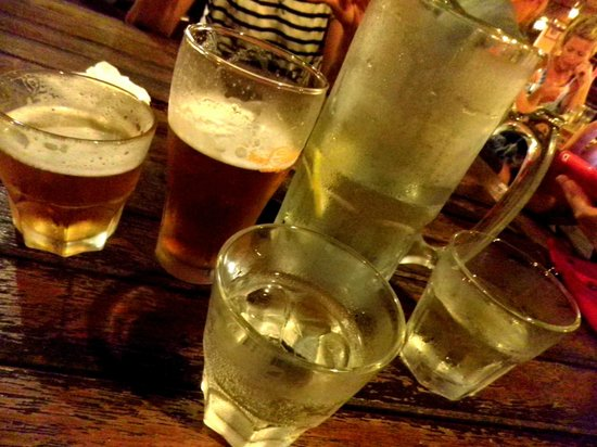 Clancy's Irish Bar & Restaurant: Beer and Water
