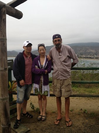 Xanadu Hotel: Jerry with my visitors at lookout point
