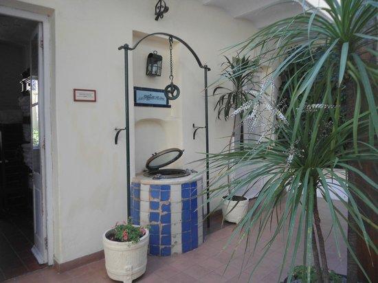 Hotel Posada del Virrey: Patio colonial