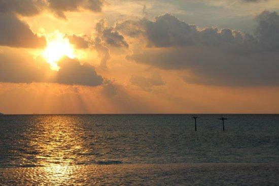 Anantara Dhigu Maldives Resort: Vue direction Ouest