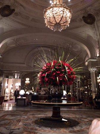 Hotel de Paris Monte-Carlo: Opulent Lobby