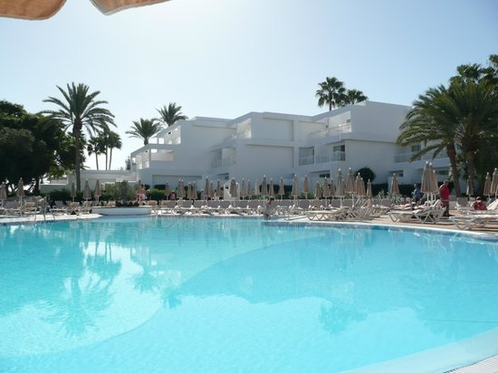 ClubHotel Riu Paraiso Lanzarote Resort: view of the pool
