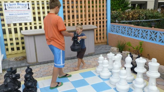 Plaza Beach Hotel - Beachfront Resort: Chess