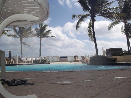 Pelican Grand Beach Resort, A Noble House Resort: Lazy river