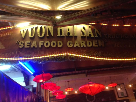 Seafood Garden: Avoid this place
