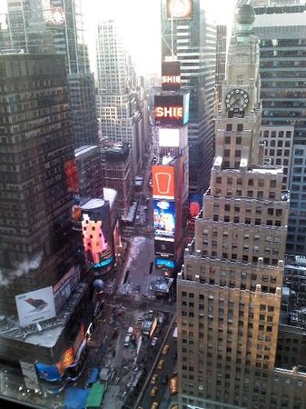 New York Marriott Marquis: View from room on 35th floor, Times Square side