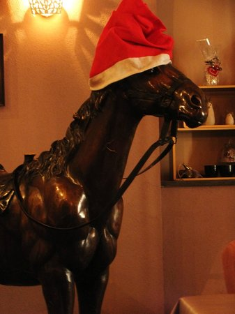Scheffel Cafe: The massive horse sculpture decorated for Christmas