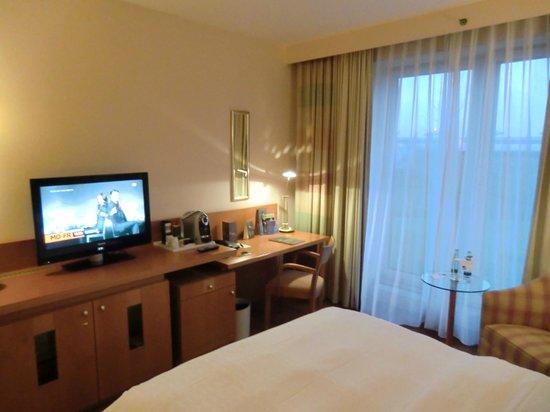 Sheraton Dusseldorf Airport Hotel: Zimmer
