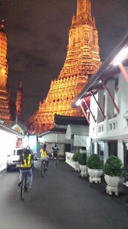 SpiceRoads Cycle Tours - Day Tours: cycling towards wat arun