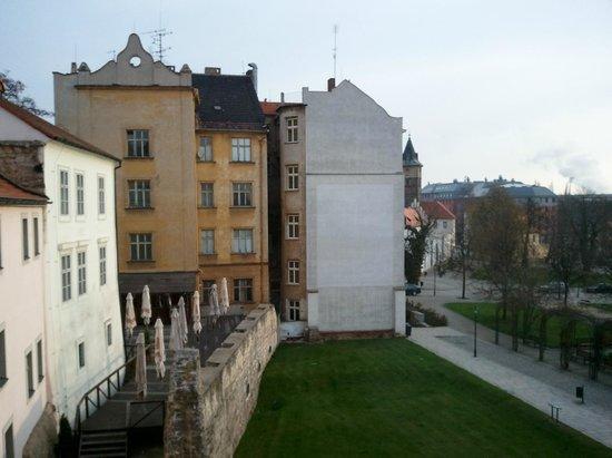 Hotel Rous: overlooking patio