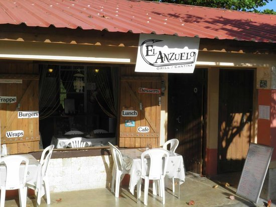 El Anzuelo Grill and Cantina: El Anzuelo's front