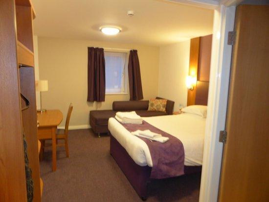 Premier Inn Liverpool City Centre (Liverpool One) Hotel: Premier Inn - room