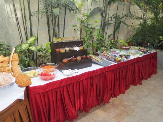 Iris - The Business Hotel and Spa: buffet