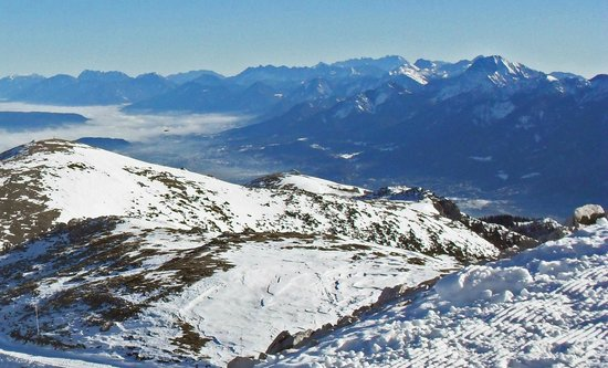 Villacher Alpenstrasse : Blick zu den Karawanken und in das Rosental