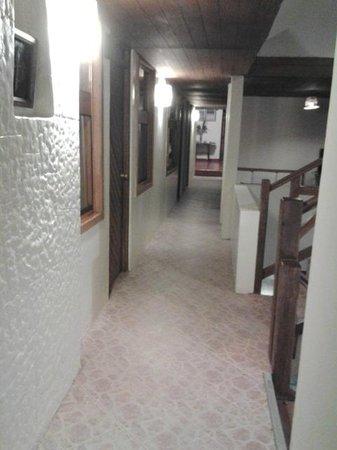 "Hotel La Cabana Machu Picchu: corridor with ""paper wall"""