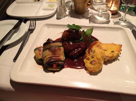 Holiday Inn Hamburg: Lamb in hotel restaurant