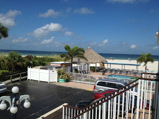 Plaza Beach Hotel - Beachfront Resort: Great view!