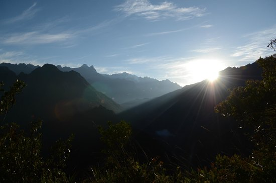Camino Inca: Sunrise on the last morning on the Trail to Machu Picchu