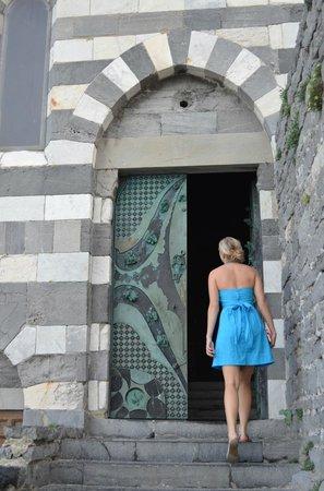 San Pietro Church: Entering the church