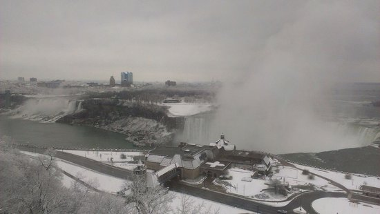 Niagara Falls Marriott Fallsview Hotel & Spa : View from the window in our room