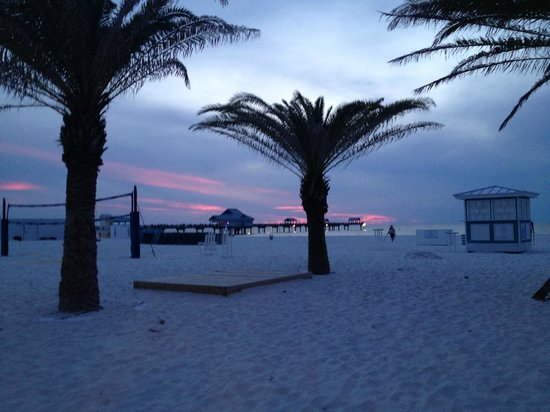 Hilton Clearwater Beach : view from bar on the beach at sunset